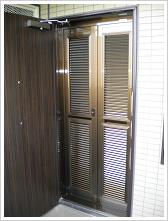 玄関網戸マンション施工例2