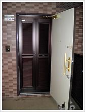 玄関網戸マンション施工例3