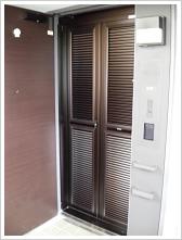 玄関網戸マンション施工例5